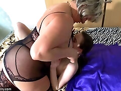 Mature chubby nymphomaniac Leisa is happy to eat new pussy of young hottie
