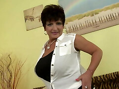 Posh mature mother with big tits and hungry muff