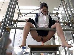 とある高専の工作サークル部員からの投稿映像 マドンt女教師を部室へ誘い込み DIYしたオリジtル固定器具を使って遊び半分で完全拘束!!