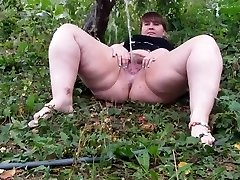 Hairy BBW urinating part 1