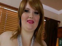 Sexy yam-sized beautiful woman Red Hair