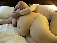 Thick wife having her very first lesbian encounter