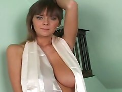 Busty Gabrielle Natural 2