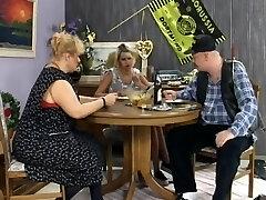 Familie matuschek - die verfickte hochzeit   openload.
