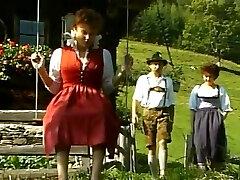 Tanja Fieldmann, Effie Balconi  German Old-school