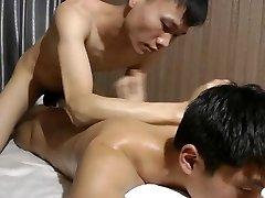 Naked Bod Oil Massage