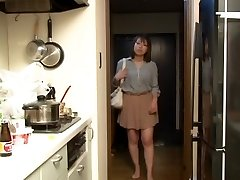 Yui Hatano as Boss Wifey Night Crawling