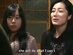 Jap ema tütar hoides maja m80 subs