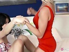सींग का बना हुआ पर्नस्टारों इनकार लंगर, छोटे-छोटे हाथों, कोनी में गुलाब अविश्वसनीय चाची, एशियाई xxx वीडियो