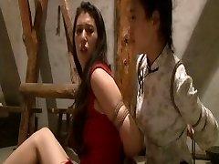 Chinesische Dienstmädchen gebunden
