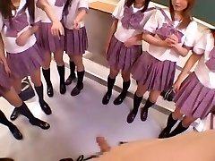 अद्भुत जापानी लड़की उसे लड़के के साथ Hoshizora, मियुकी Yokoyama, Minami Yoshizawa में सींग का बना हुआ समूह सेक्स, JAV वीडियो