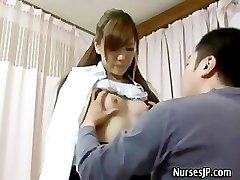 Patient visiting dame asian doctor