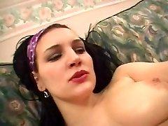 Arab fuckslut likes her pussy slimy
