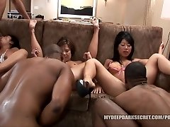 MDDS Tia Ling and Becky Squirts BBC Interracial Hump