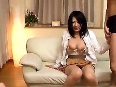 मोहक जापानी लड़की कमबख्त