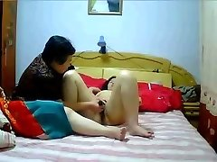 Chinese MILF Lesbos homemade