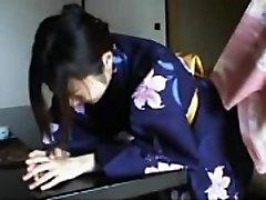 048 Kimono Gal'_s Discipline - Smacking