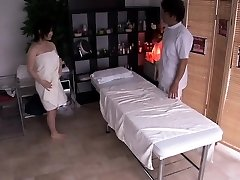 Pregnant asian getting her hairy box finger-banged