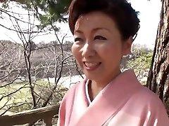 39 year old Yayoi Iida Swallows 2 Geysers (Uncensored)