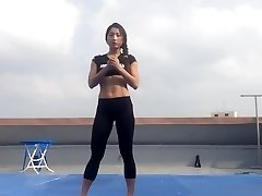 Korean female Bodyfitness Minsoo exercise 02