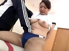 सेक्सी एशियाई जिम में