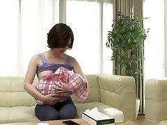 Honjou Yuka - NTRD-047 Do you like a young mom with boob milk ?