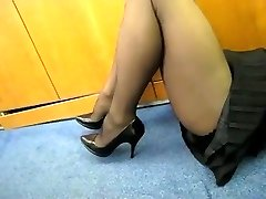 Stockings Flash in the Office