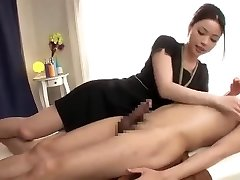 A relaxing massage with a ... very long jizz flow!