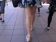 Sexy Jambes De Marche 006