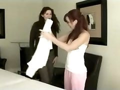 Massage therapist providing her patient some unknowing enjoy.
