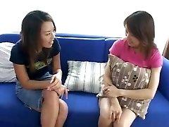2 Japanese Just Met Do Girl-girl