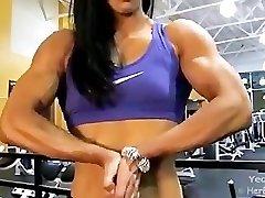Asian Dame Bodybuilder Hulking Out