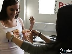 Babe used pizza as bikini eaten by guy and earned currency