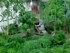 indonesian- ngintip jilbab ngentot belakang bangunan