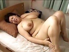 Japan yam-sized spectacular woman Mamma