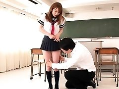 Japanese college girl facialized in classroom