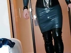 Short walk in rubber dress, hip boots