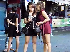pattaya walking street noćni život i ladyboy, tajland 2020