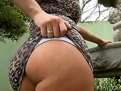 Wonderful shemale Aline takes it up the arse