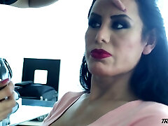 Nasty ts slut Lorey Richi exposes her really sexy big bubble ass
