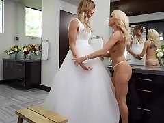 platinum-blonde shemale fucks blonde female