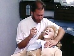 Jennifer Welles y su dentista