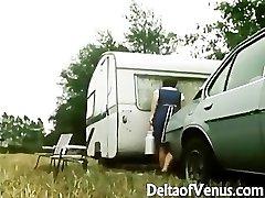 Retro Porno 1970 - Hairy Brunetka - Camper Spojky