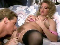 Sheila Kameň - Klasické Busty Babe