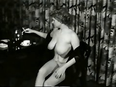 Tastey Smokin MILF from 1950's