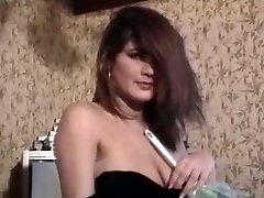 Seducing Maid Really Erotic