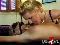 Kinky dyke babes strap on dildo fucking in luscious threesome