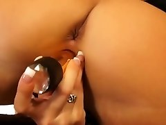 Hot pussyhole dildoing from spectacular blonde