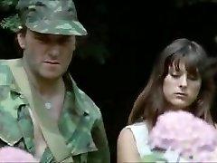 žena zajatecký tábor 1980 slave manželky milfs