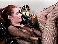 Latex laarzen fetish babes hebben van plezier